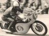 """Bubon z ESA sme museli nahradiť Jawáckym jednoklúčovým, ktorý tak dobre už nebrzdil. EB s týmto motocyklom jazdil do konca sezóny 1966, kedy ho predal Josefovi Lukšíkovi do Plzne. Josef Lukšík je dnes posledný žijúci zo skupiny """"Bošákov"""" (Srna, Slavíček, Mrázek, Lukšík). Srna v nasledujúcich rokoch už jazdil na Jawách, ktoré po ústupe z MS talianskych a nemeckých motocyklových tovární cítili svoju príležitosť a Šťastný spolu s Havlom svojim 2. a 3. miestom v kategórii do 350 ccm v roku 1961 potvrdili správnosť toho predpokladu"""