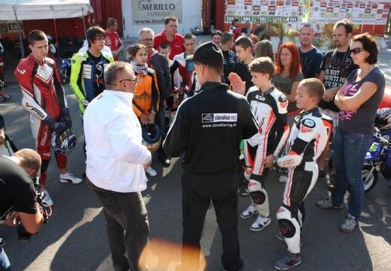 Snímka zo sústredenia Junior Moto Academy s pánom Talmácsim v roku 2012
