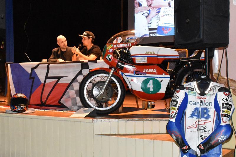 V Beluši sa stretli motocyklové hviezdy s fanúšikmi