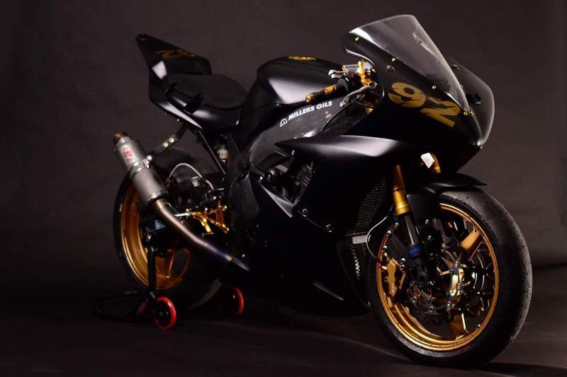 Prodám: Yamaha YZF-R1 2003