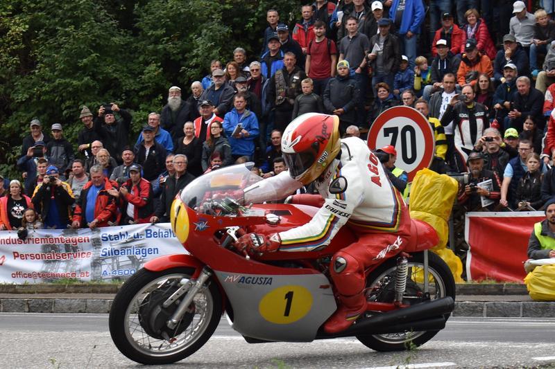 Hostem vyhlášení 43. ročníku ankety Zlatý volant je Giacomo Agostini