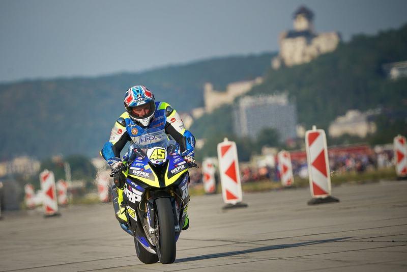 Na letisku v Trenčíne sa konali medzinárodné motocyklové preteky