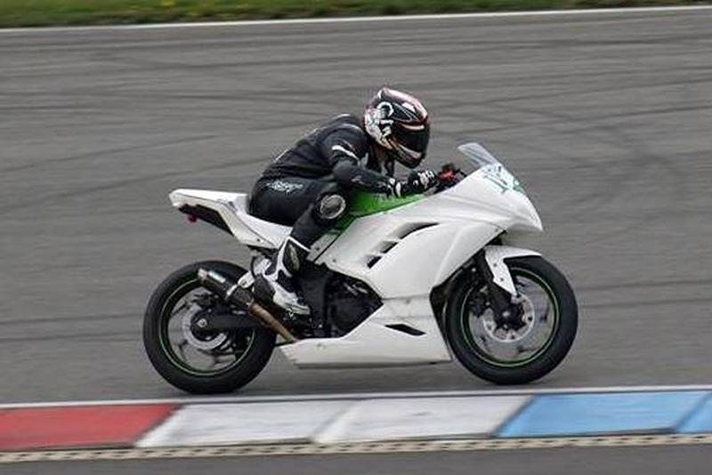 Prodám závodní Kawasaki Ninja300