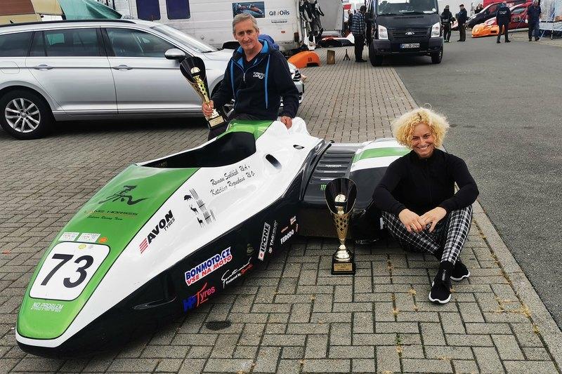 Sedláček s Rozenekovou zvíťazili v International Sidecar Trophy
