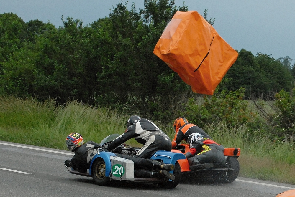 Fotoseriál Luboše Novosáda: Závod s balíkem z retardéru
