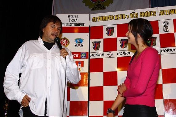Okrem televíznych prenosov moderuje Václav Svoboda aj vyhlásenia majstrov či dokonca preteky priamo na okruhoch